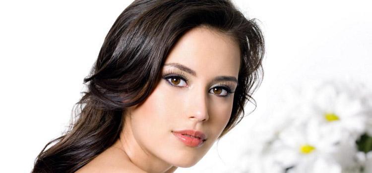 Красивый повседневный макияж для карих глаз и темных волос