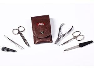 Инструменты для обрезного маникюра должны быть продезинфицированы