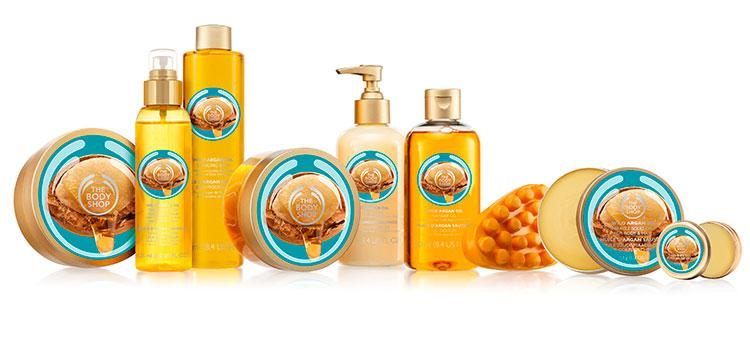 Аргановое масло применяют в косметологии для волос, кожи лица и рук