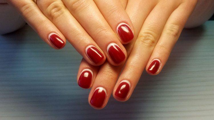 Улыбка на ногтях